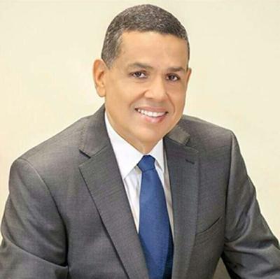 Le deseamos éxitos al Dr. Tabaré Rodríguez, nuevo Director del Hospital de  Mao | Antonio Espinal